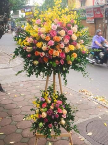 Lãng hoa khai trương nổi bật ở Hà Nội hn75